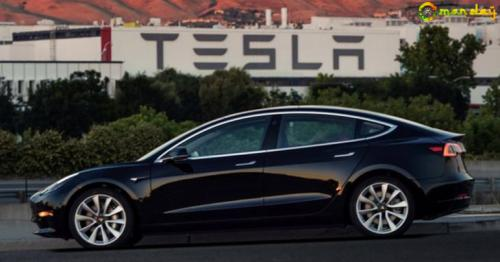 TESLA MOTORS VIA REUTERS  The first Tesla Model 3 cars off the production line are now with their new owners