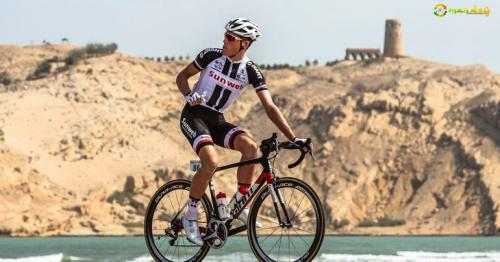 This cyclist will attempt to ride from Muscat to Salalah in 48 hours