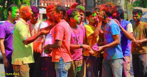 What are the dangerous side effects of Holi colours? Let Shahnaz Husain tell you