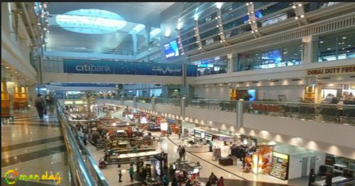 A robot at Dubai airport can report suspicious people