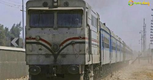 10 killed as Egypt trains collide