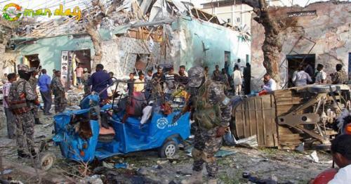At least 14 dead, several hurt in car bomb in Somali capital