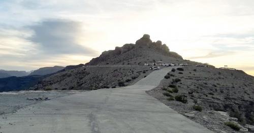 wilayat of al hamra, Mountain peaks in Oman, tourism in Oman, places to visit in Oman, trekking places in oman, travel and tourism places in oman