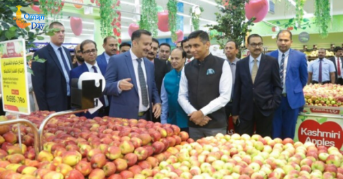 First batch of Kashmiri apples arrives in Oman