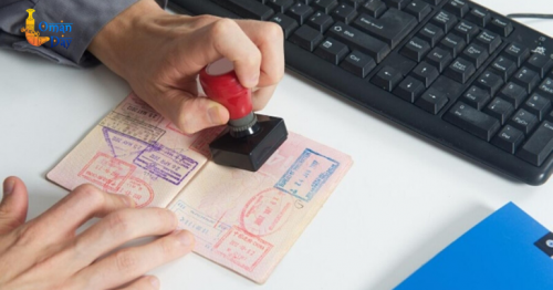 Temporary ban on work visas for expats announced in Oman