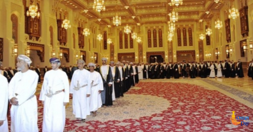 Citizens of Oman meet His Majesty to offer condolences