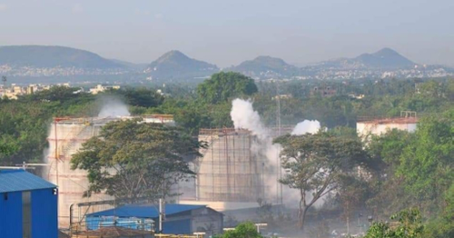 8 dead, 200 in hospital after major gas leak in a chemical plant in India